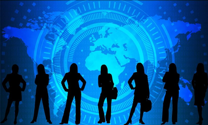 mujer ciberseguridad